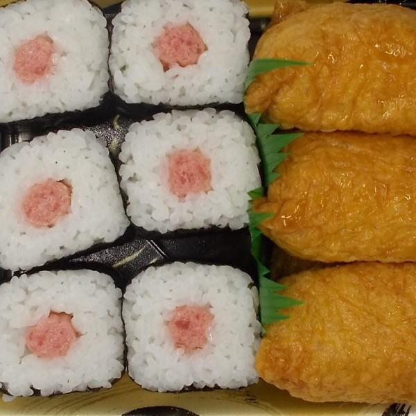 ネギトロ巻きといなり寿司